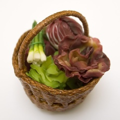 veg basket raddicchio red lettuce spring onion 2 (12293_8)