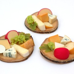small round cheeseboards 2016-06-29-0883 (16703_2)