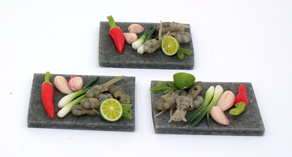 TX Miniatures Market Place html Boards and Slabs, Spicy prawn Preparation Board