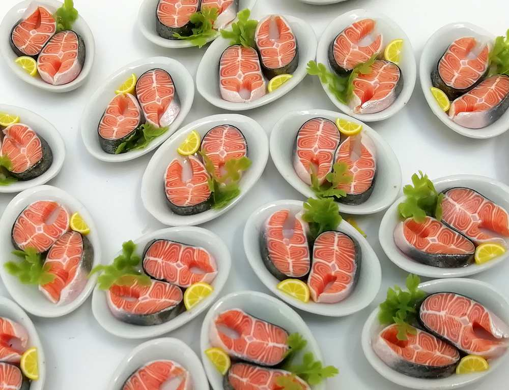 Miniatures Market Place html Plated Meals, Salmons Steaks on a plate