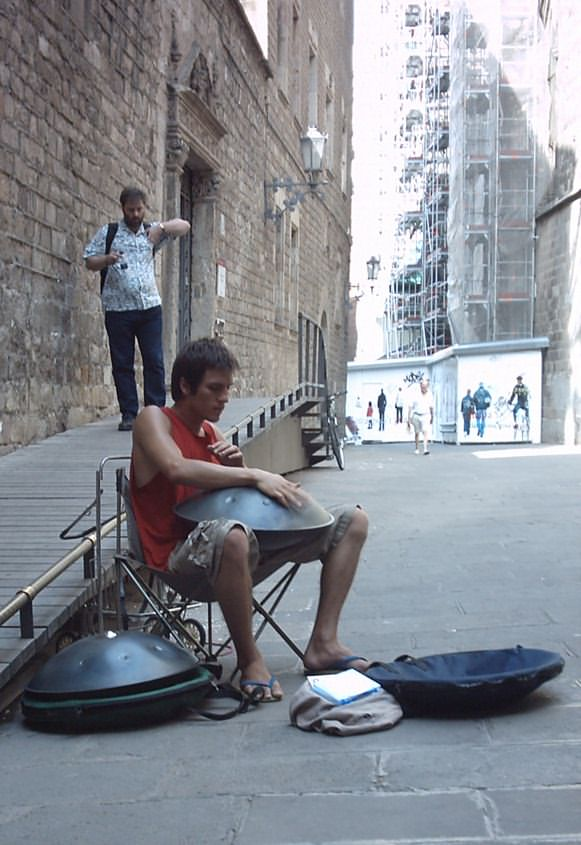 TX Spanish Travels   Barcelona html 170, pedro-drums